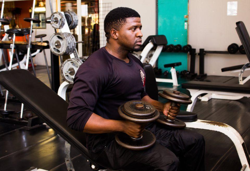 adult-athlete-bar-1309233