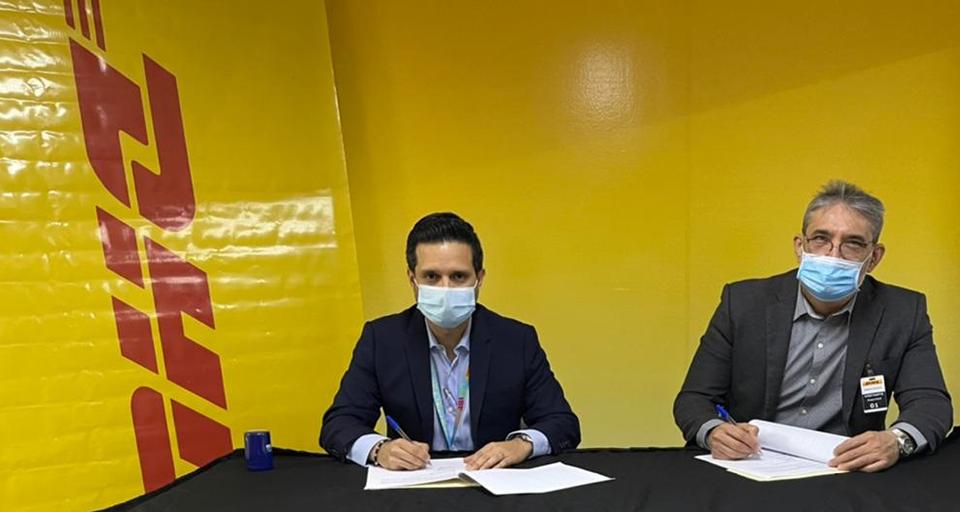 Firma acuerdo DHL